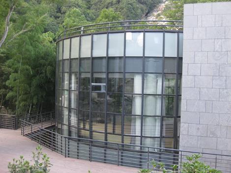 艺展中心钢结构幕墙工程