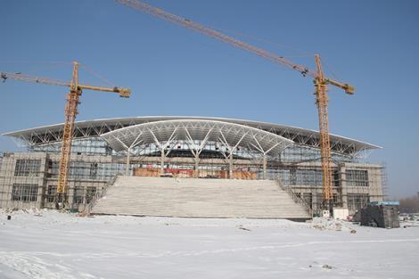 白碱滩区体育健身中心(跨度90米,面积12000)