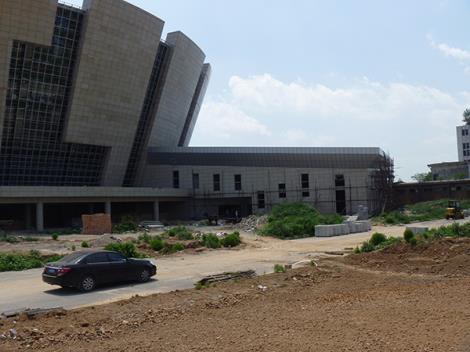 热身体育馆钢结构