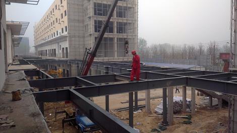生活廣場鋼結構連廊工程