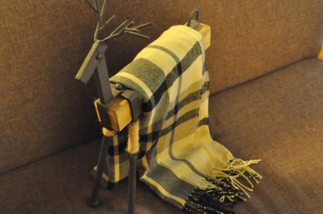 条纹流苏仿羊绒围巾