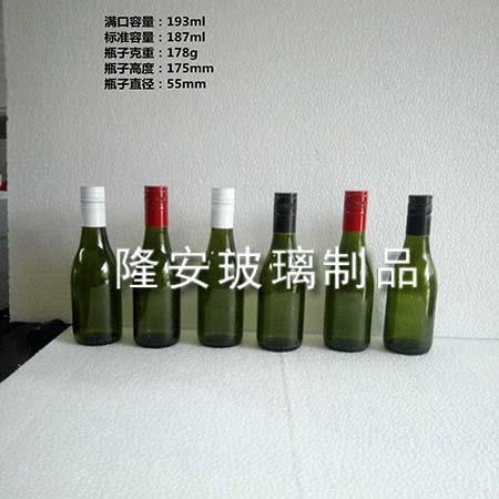各种型号葡萄酒瓶