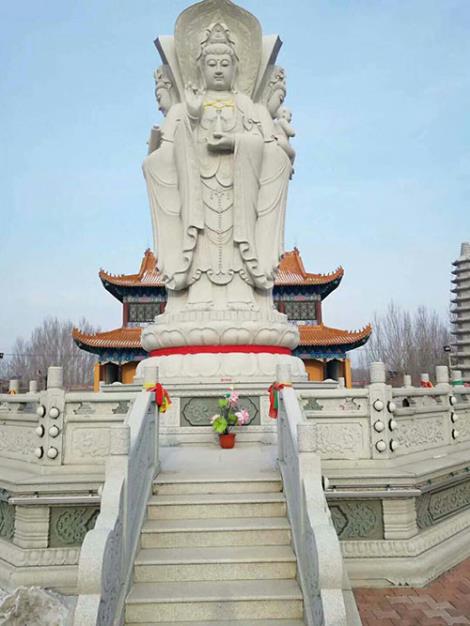 大型雕刻佛像