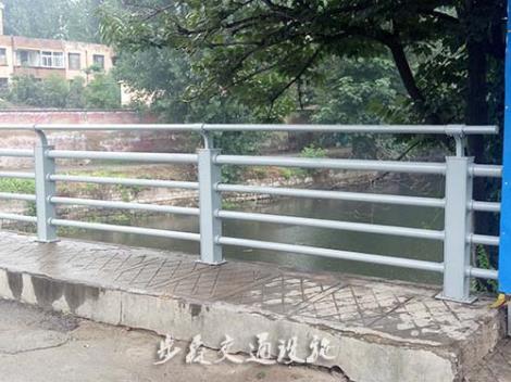 河道护栏安装