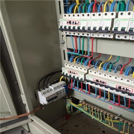 电源系统防雷施工
