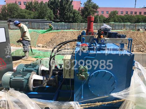 合页活动坝液压泵站