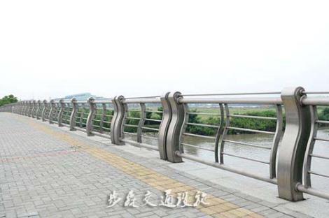 山东桥梁护栏