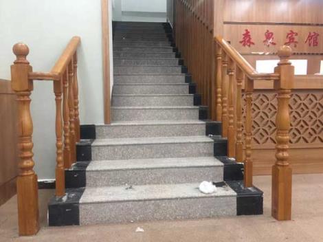 实木楼梯生产商