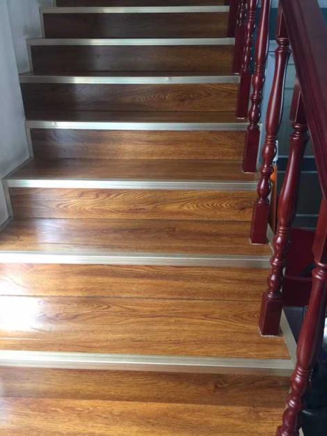 实木楼梯踏步板批发
