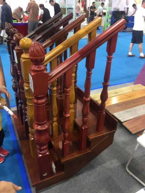橡木楼梯扶手生产商