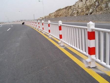 道路护栏安装