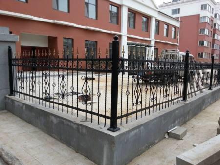 铁艺护栏生产商