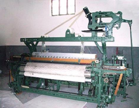 GA615A4-4X4电子多梭多臂织机