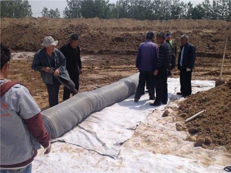 膨润土防水毯施工