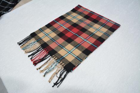 格子仿羊绒围巾3