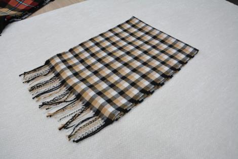 格子仿羊绒围巾4