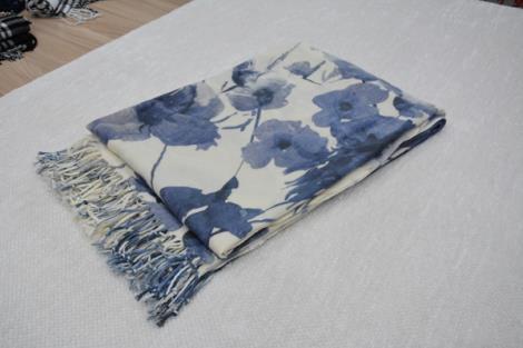 格子仿羊绒围巾11