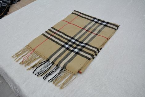 格子仿羊绒围巾16