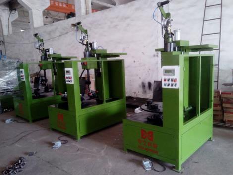 立式環縫焊接機.