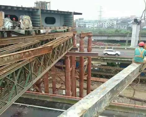 鋼便橋施工