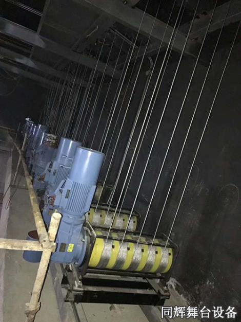 单排绕吊杆升降机销售