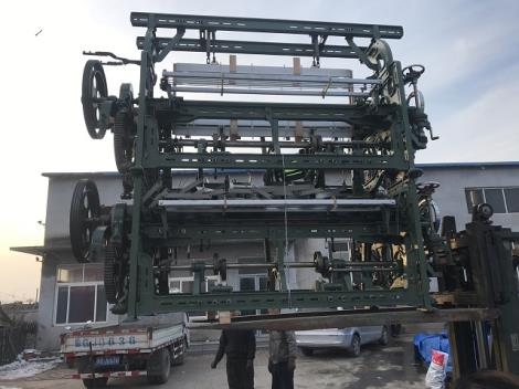 GA615D 电子定位刹车自动换梭织布机