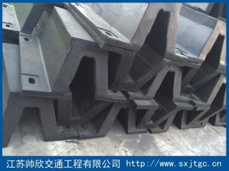 SA型橡胶护舷生产厂家