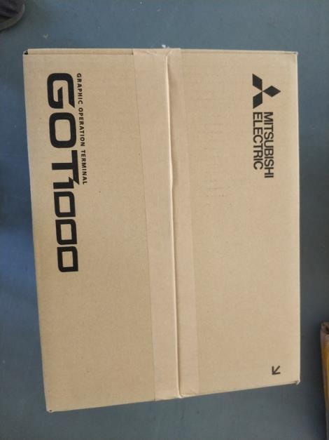 GT1675M-STBA 三菱显示器 触摸屏