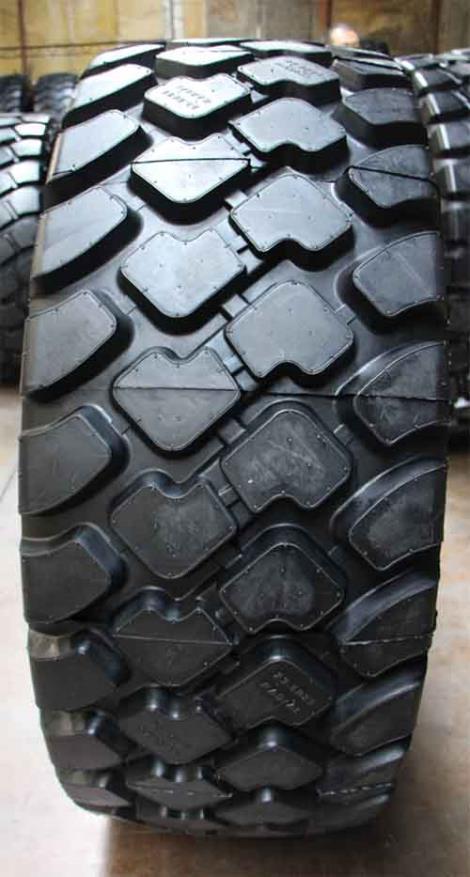 60鏟車輪胎保養